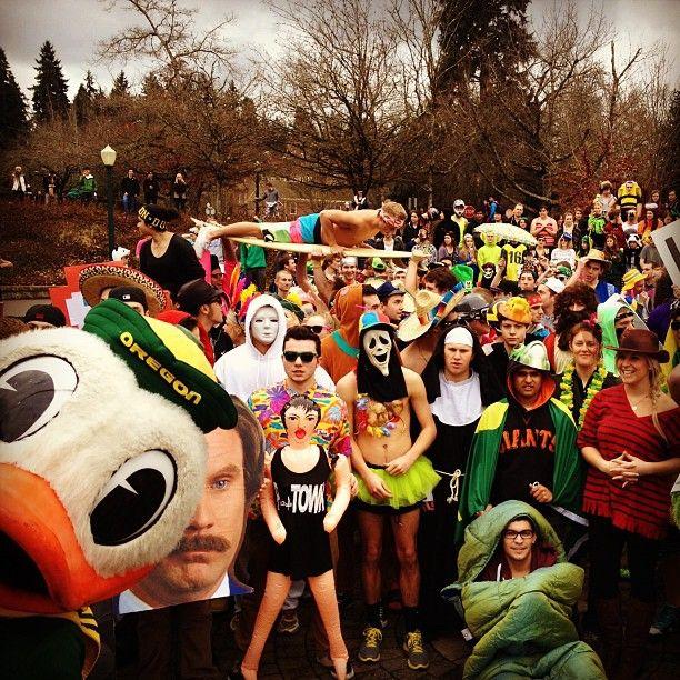 Remember That Harlem Shake Thing The Scream Mask Habah Oregon Ducks Oregon Ducks Football Harlem Shake