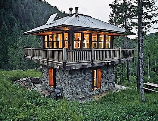 Cabin In Montana From Tiny Homes Book In 2020 Modern Tiny House Unique Houses Tiny House Movement