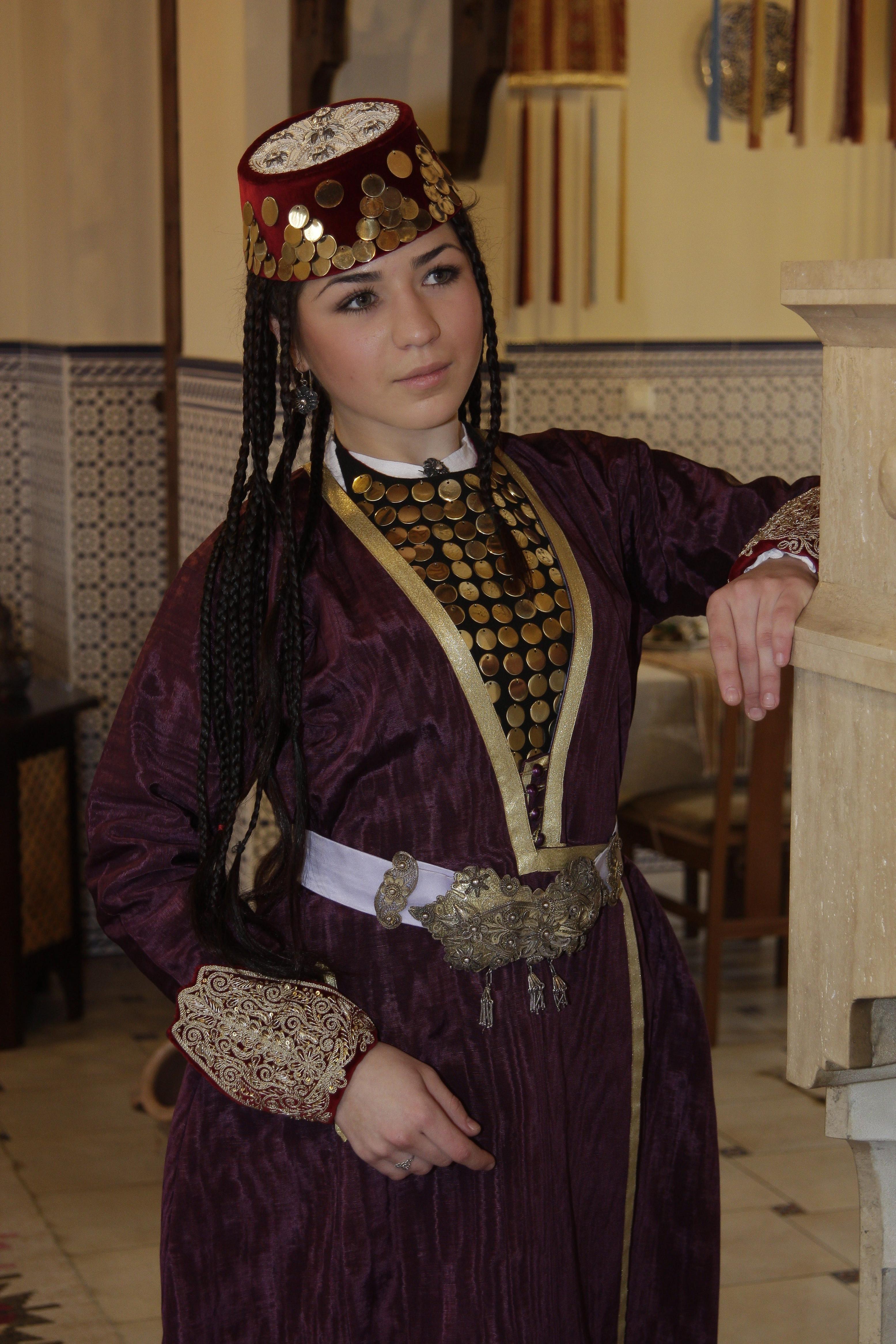 Крымскотатарский костюм фото