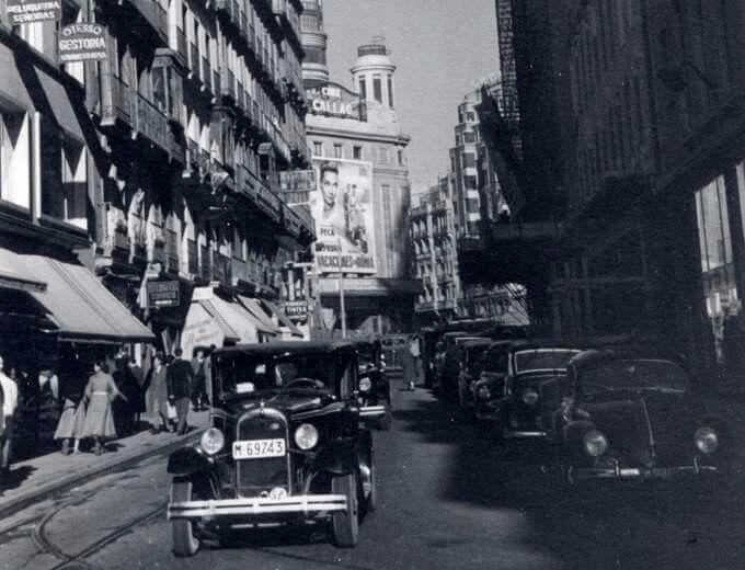 Calle Preciados, con tráfico
