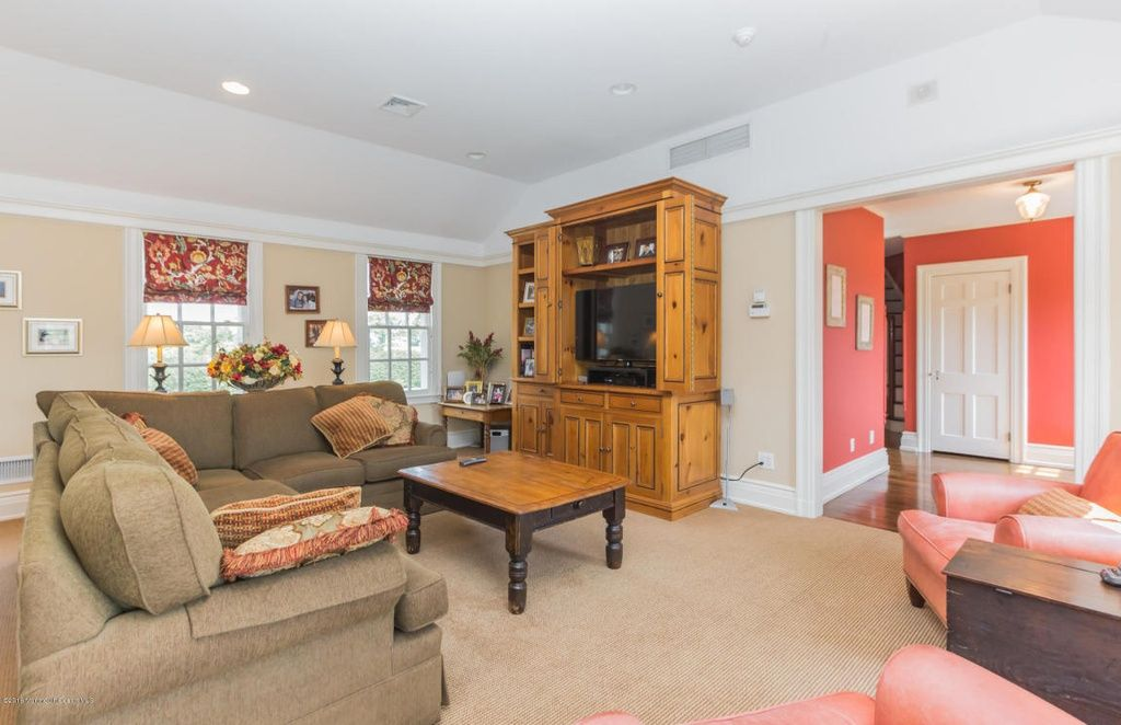 713 Navesink River Rd, Red Bank, NJ 07701 | MLS #21625631 | Zillow