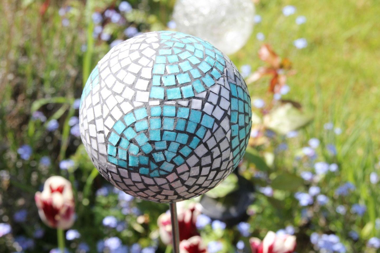 boule dcorative jardin gallery of grosses boules de dacoration intarieure et boule dcorative. Black Bedroom Furniture Sets. Home Design Ideas