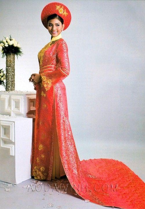 So pretty.. Vietnamese wedding dress. | Things to Wear | Pinterest ...