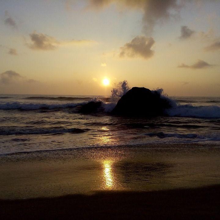 #Sunset #sea / seguici su www.cocoontravel.uk