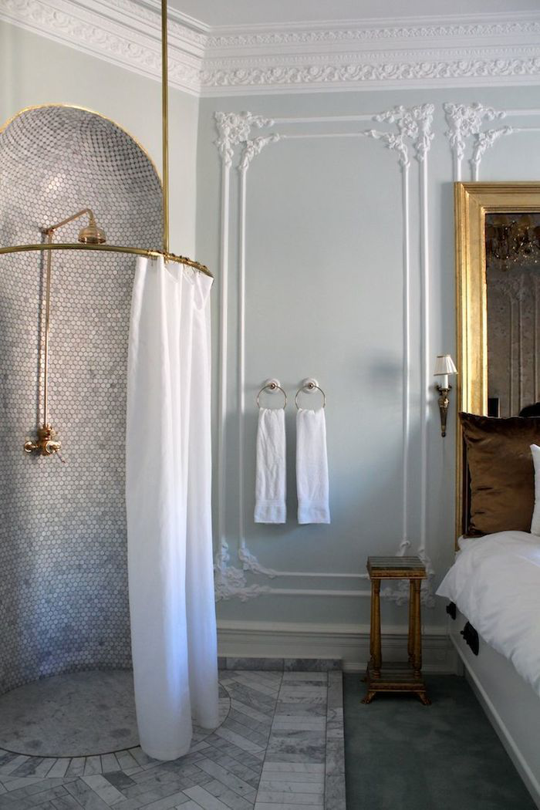 5 crazy ideas from hotel bathrooms that i would totally