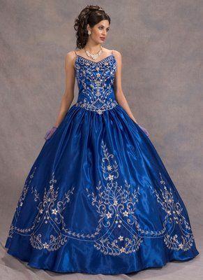 Vestidos de 15 en azul y plateado
