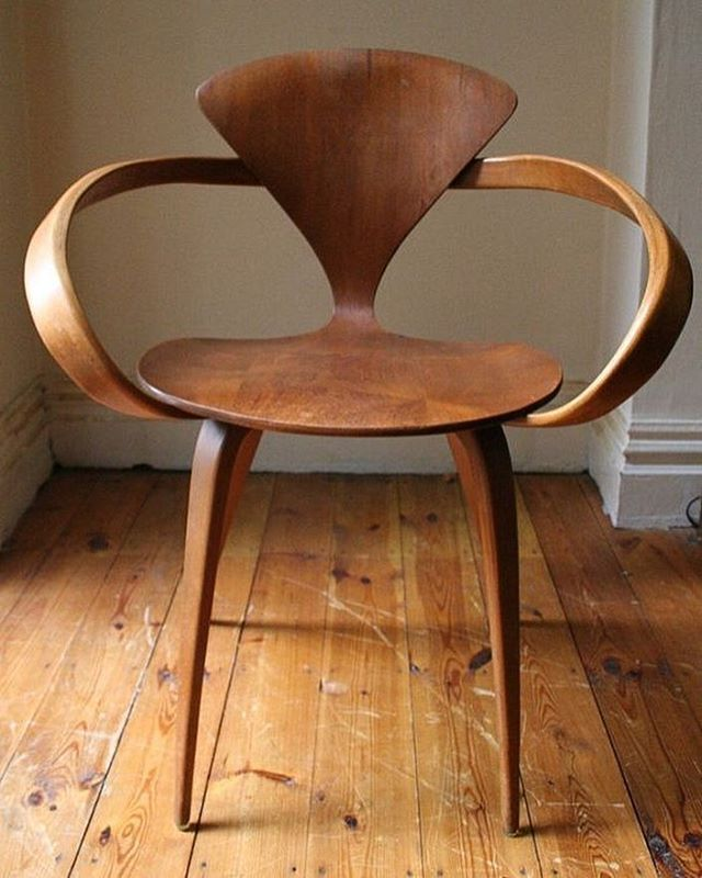 Ordinaire NORMAN CHERNER, Cherner Chair, 1958. Material Molded Plywood, Manufactured  By Norman Cherner