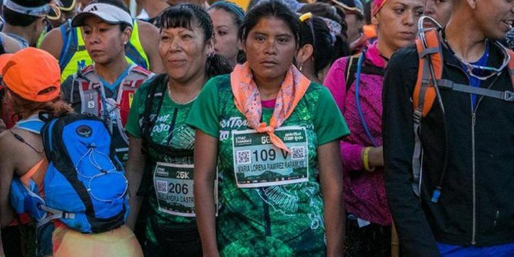 Mexican Woman Wearing Long Skirt and Rubber Sandals Wins 50 Km Ultramarathon - People usually train for years and invest in professional running gear just to be able to complete an ultramarathon, but María Lorena Ramírez, a native Rarámuri woman from Mexico who had not have any professional …