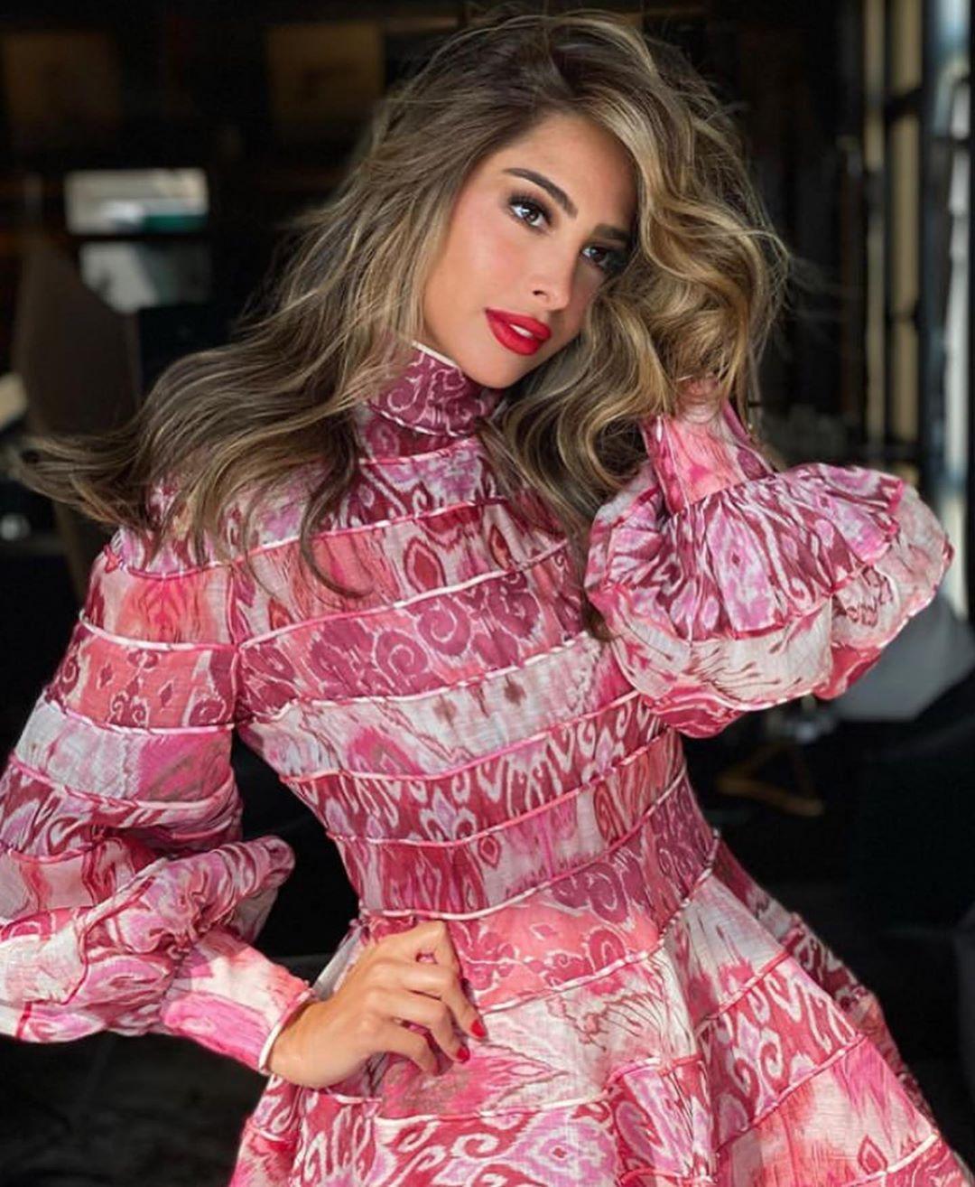 𖤐𝗕𝗲𝗮𝘂𝘁𝘆 𝘄𝗼𝗿𝗹𝗱𖤐 On Instagram فوز الفهد زايده حلاوتها Fashion Elegant Attire Fashion Beauty
