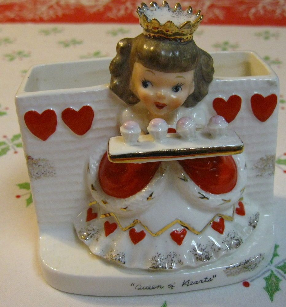 vintage napco queen of hearts nursery rhyme figurine valentines day s1493f