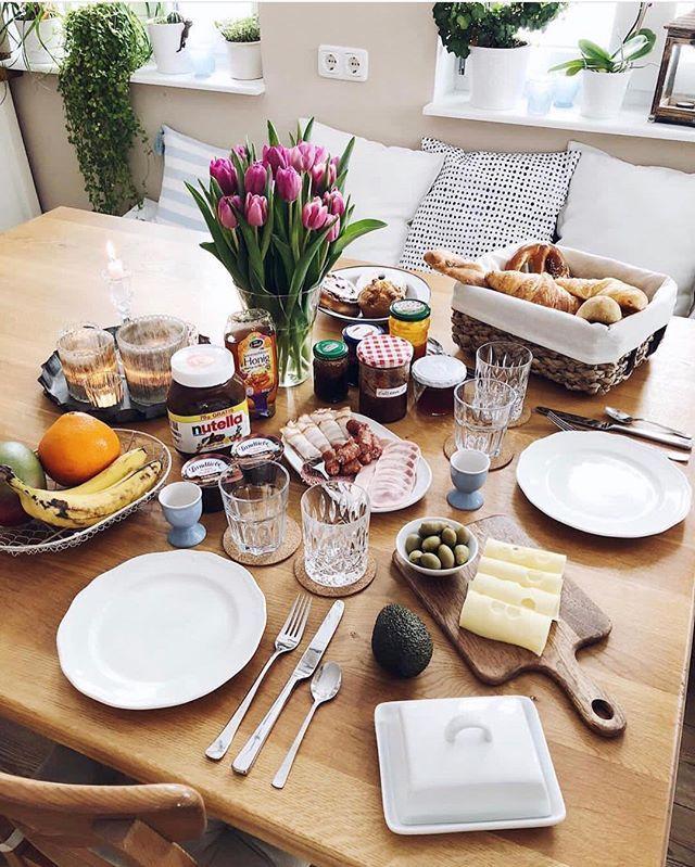 Einen wunderschönen Sonntagmorgen!ich konnte es heute kaum erwarten aufzustehen dann es ist ein ganz besonderer Tag!  wenn ihr wissen wollt um was für eine tolle Neuigkeit es sich handelt dann solltet ihr auf dem Blog vorbei schauen. Nein ihr müsst sogar! Es ist einfach so toll und ich möchte es gerne mit euch teilen! . www.fashion-kitchen.com . . . . #brunch #brunchtime #Foodporn #food #foodie #foodgasm #foodstagram #foodpics #foodblogger #foodphotography #foodpic #instafood #pictureoftheday #fashionkitchen #delicious #foodlover #breakfast #breakfasttime #foodflatlay #tulips #spring #frühling #breakfastclub #breakfastgoals #frühstück #happysunday #sundaymorning #sundaymood #fashionkitchenshome #sonntagsfrühstück #frühstückundbrunch