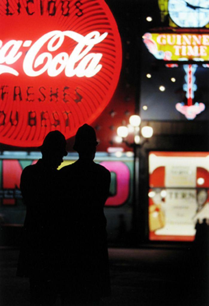 Saul Leiter London 1950s | BEHAVE | Pinterest | Fotografía, Luces de ...