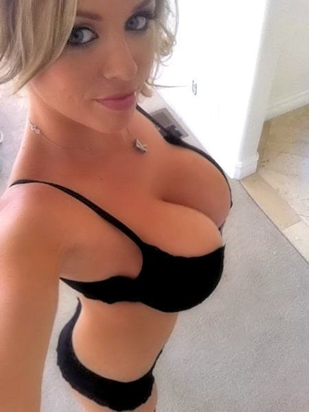 Amateur girls in bra
