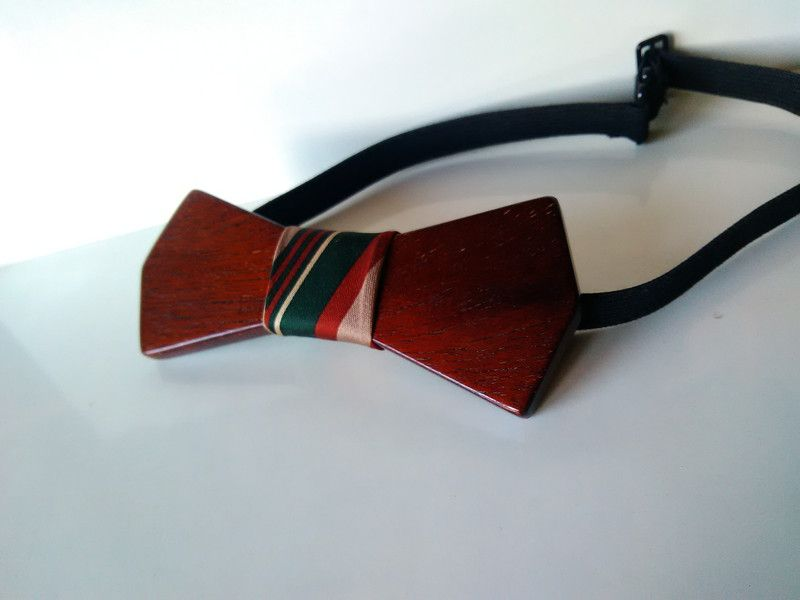 Cravatte & Papillon - Papillon in legno di mogano fatto a mano - un prodotto unico di Regali-Artigianali-Da-Devis su DaWanda