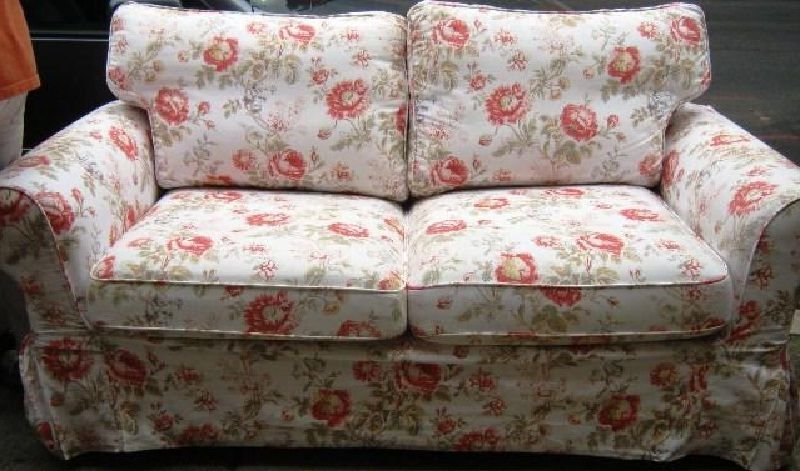 Superbe Red Floral Couple Chair