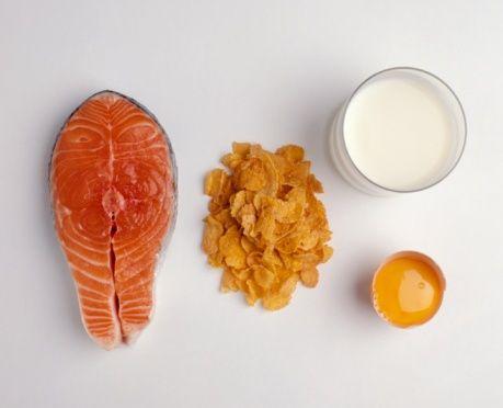 Alimenti che contengono vitamina D da assumere per la salute delle ossa