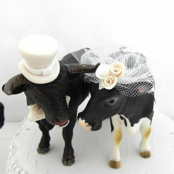 Here S A Cute Cow And Bull For Your Southwestern Rustic Country Or Farm Themed Wedding This Cake Topper Can Be Personalized