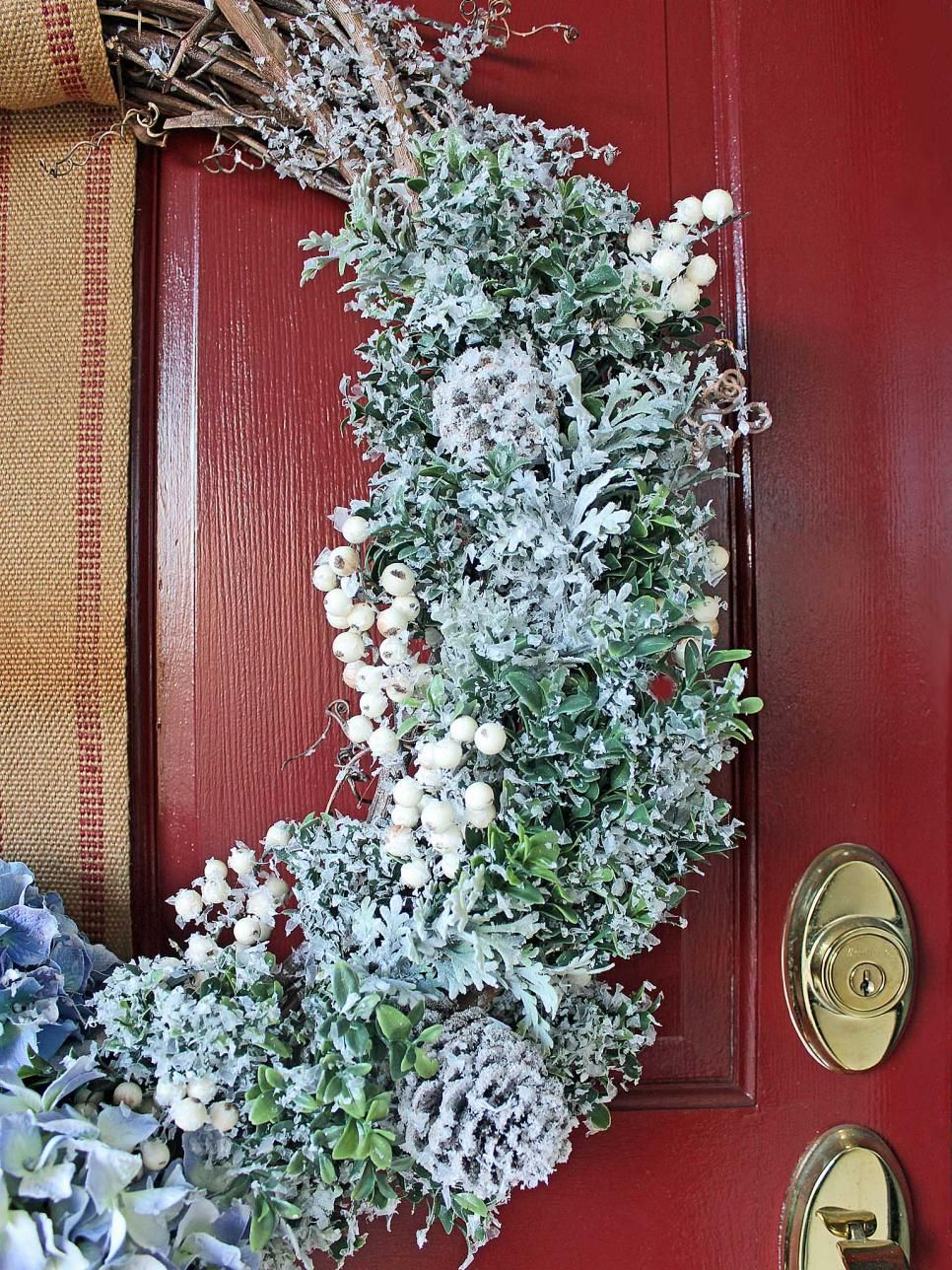 35 crafty outdoor holiday decorating ideas front door wreaths