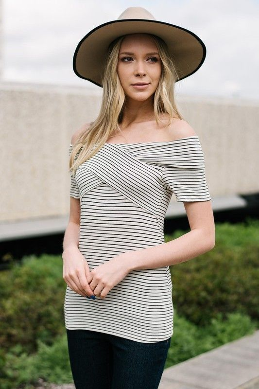 Tres Jolie Top in Ivory