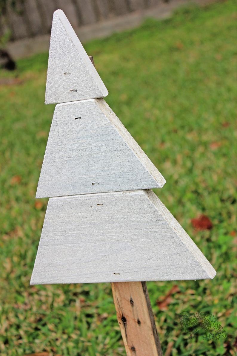 7f804bc69f3573e45683e89d37c2d1e6 Jpg Jpeg Image 1000 750 Pixels Christmas Tree Yard Art Christmas Tree Yard Wood Christmas Tree