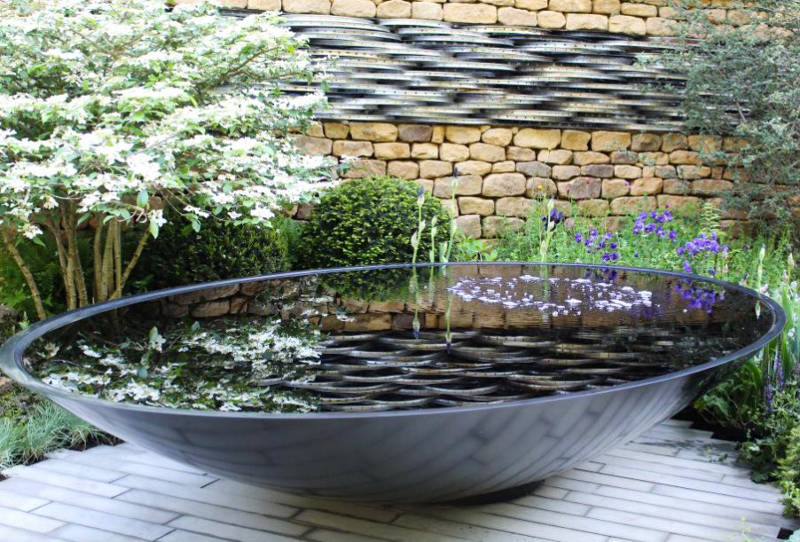 20 Small Garden Water Feature Ideas To Add A Little More Zen To Your Life In 2020 Water Features In The Garden Meditation Garden Water Features