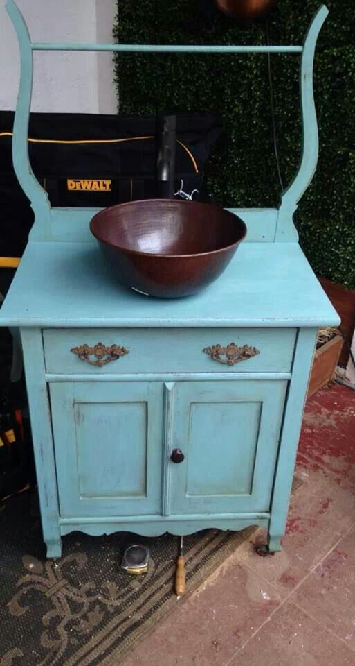 Provence and dark wax - Annie Sloan Chalk Paint