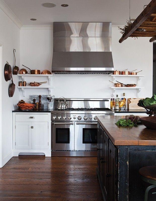 ländlich eingerichtete Küche Speckstein Arbeitsplatte zweckmäßig ...