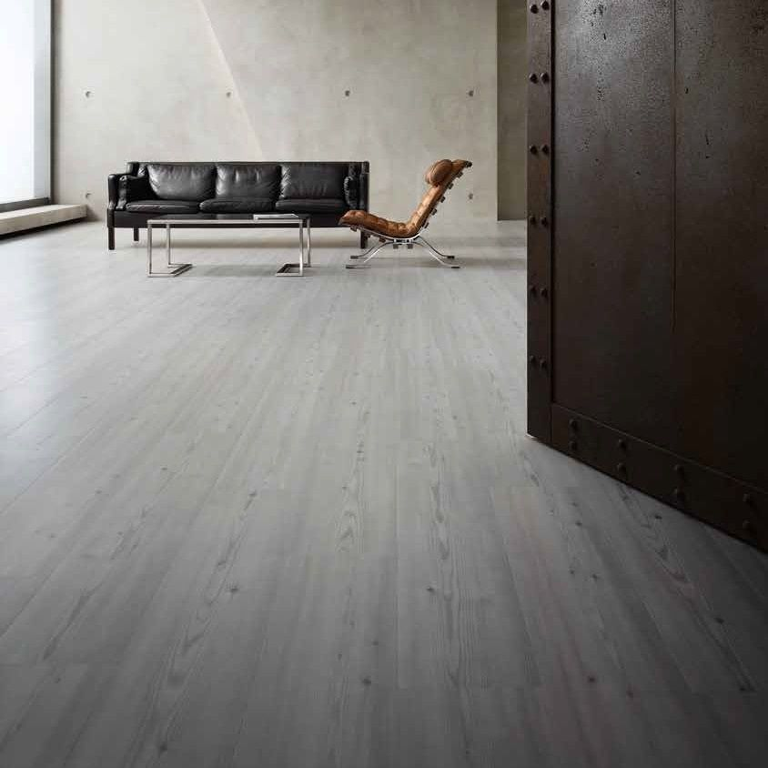 Luxury vinyl flooring corteccia click vinyl plank floors for Luxury linoleum flooring