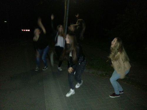 утверждают, фото гуляем ночью с друзьями знаю
