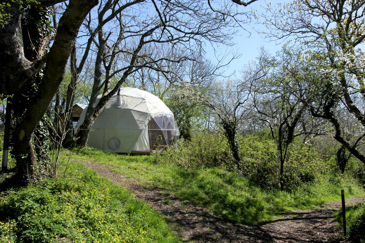 Pin En Cabins Tents Cottages Domes