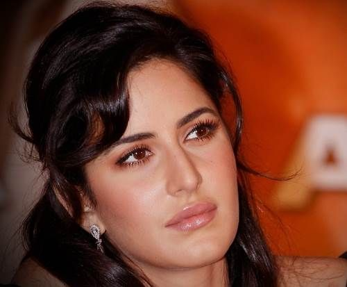 8 Awesome Eye Make Up Shapes For Women Eye Makeup Makeup For Downturned Eyes Katrina