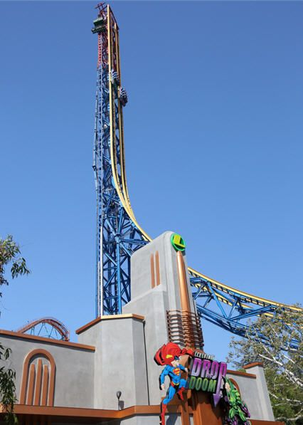 Lex Luthor Drop Of Doom Debuts At Six Flags Magic Mountain Six Flags Theme Parks Rides Thrill Ride
