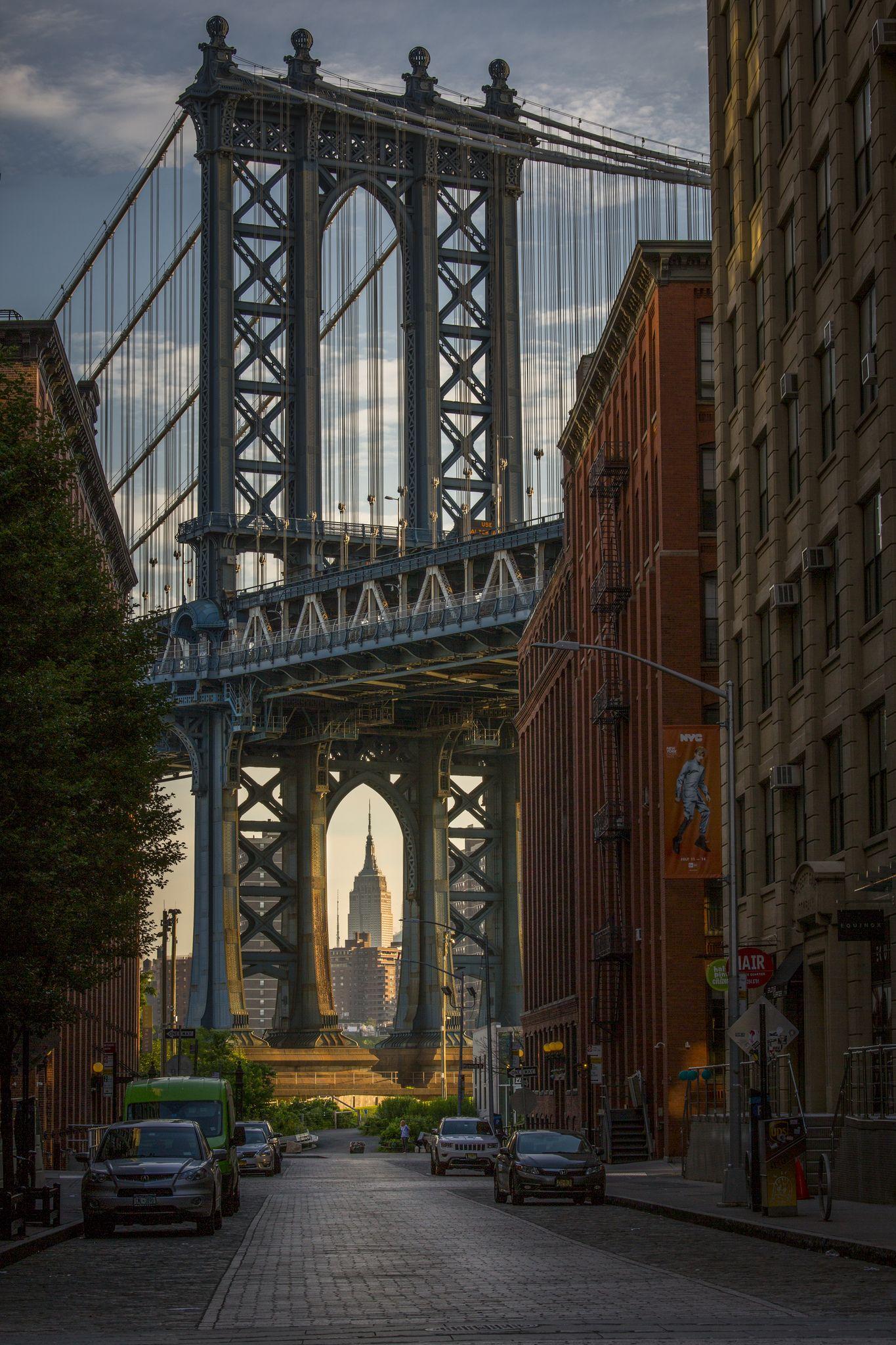 Brooklyn Sunrise On The Manhattan Bridge Manhattan New York Manhattan Bridge New York City