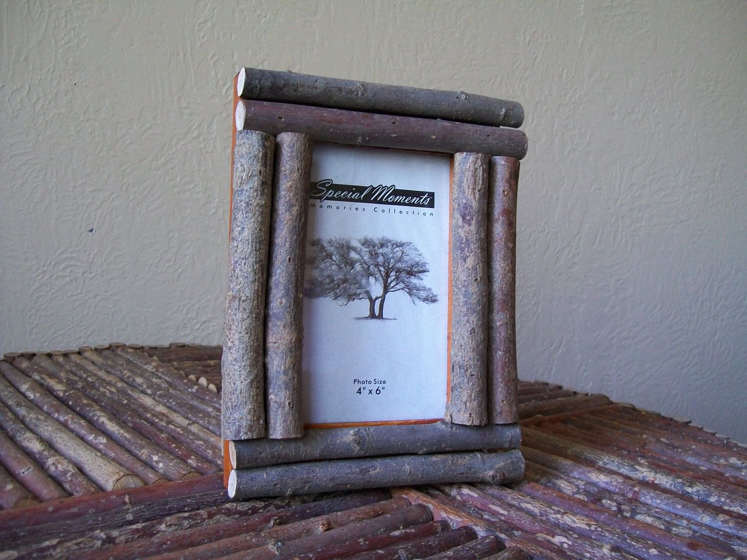 Make your own rustic photo frames from twigs rustic twig for Decorate your own picture frame craft