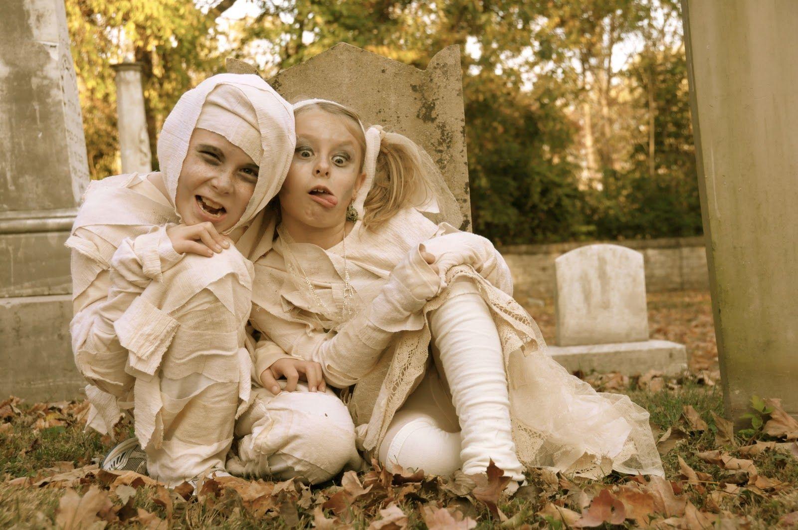 Are you my Mummy? DIY kids Mummy Costumes Kids mummy