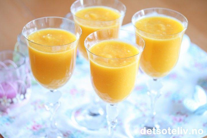 Mango- og ananassmoothie | Det søte liv