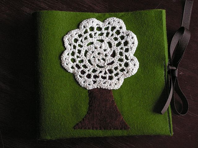 crochet doily tree- Would be cute on a pillow