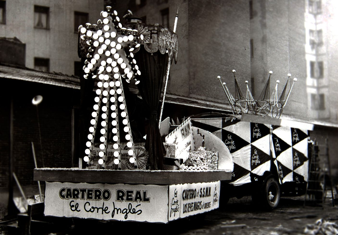 Madrid La Carroza De El Corte Ingl S En La Cabalgata De Reyes De  ~ Album De Fotos Tradicional El Corte Ingles