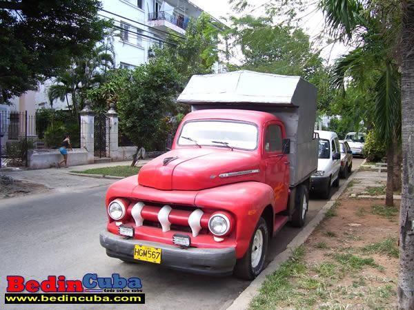 Fotos De Camiones Antiguos En La Habana Camiones Americanos De La Habana Www Bedincuba Com Fotos De Camiones Antiguos En La Habana Camiones Ford Carros Vans