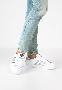 purchase cheap d021f 486ca adidas Originals - SUPERSTAR - Sneaker low - white silver metallic core  black