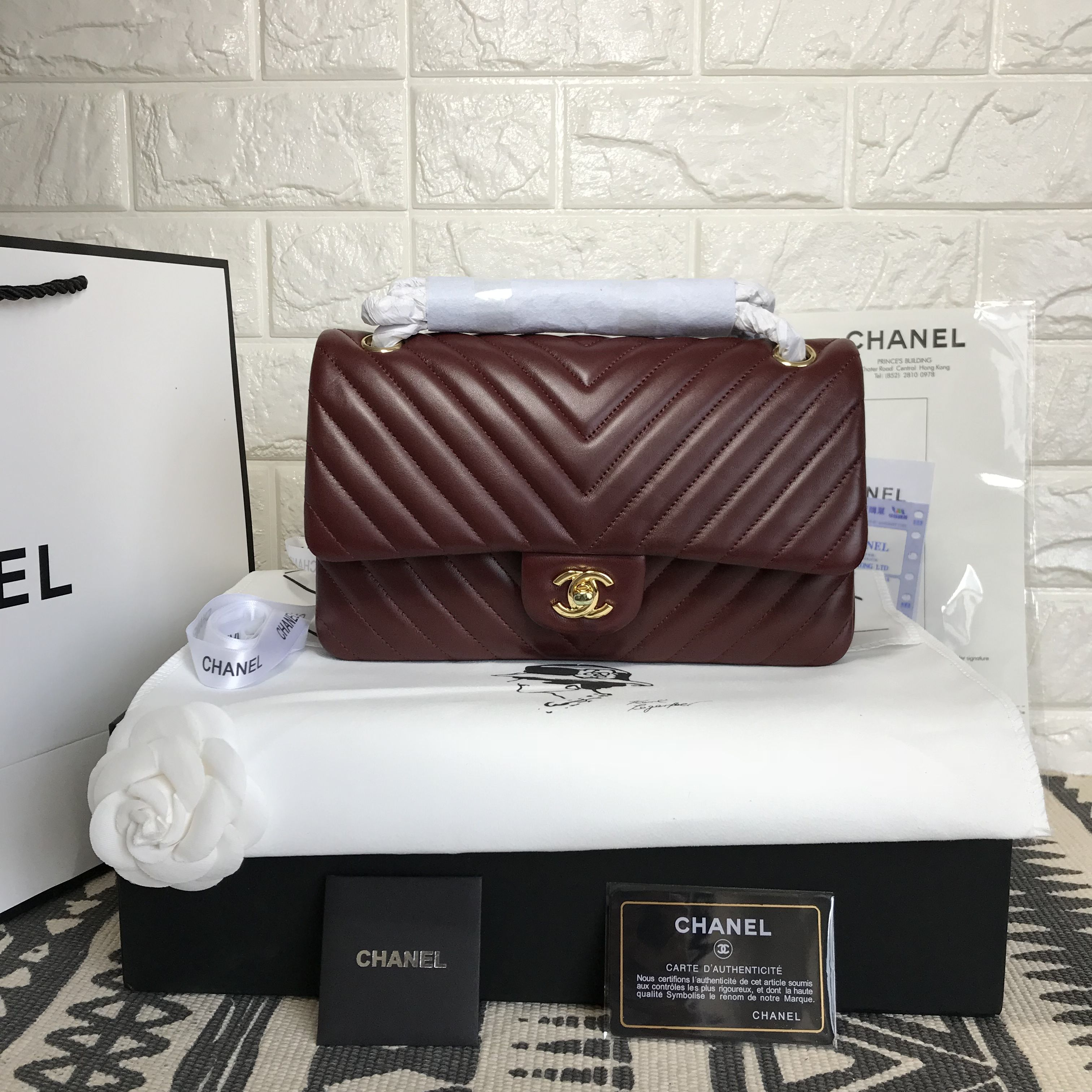 2a4247c844133a Chanel woman 2.55 classic flap bag V pattern burgundy original leather  version