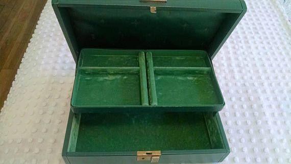 Sweet Emerald Green Vintage Farrington Jewelry Box Green Satin