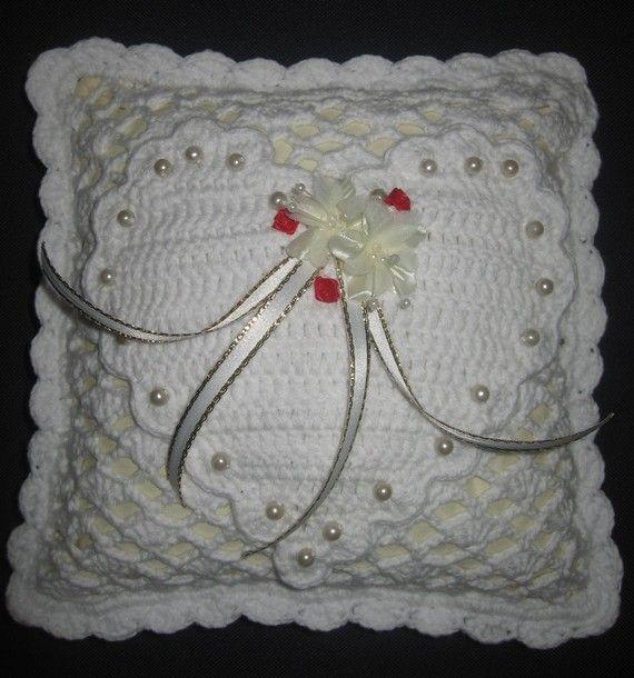 Crochet Wedding Ring Cushion by myinspirer on Etsy, £25.00   kissen ...