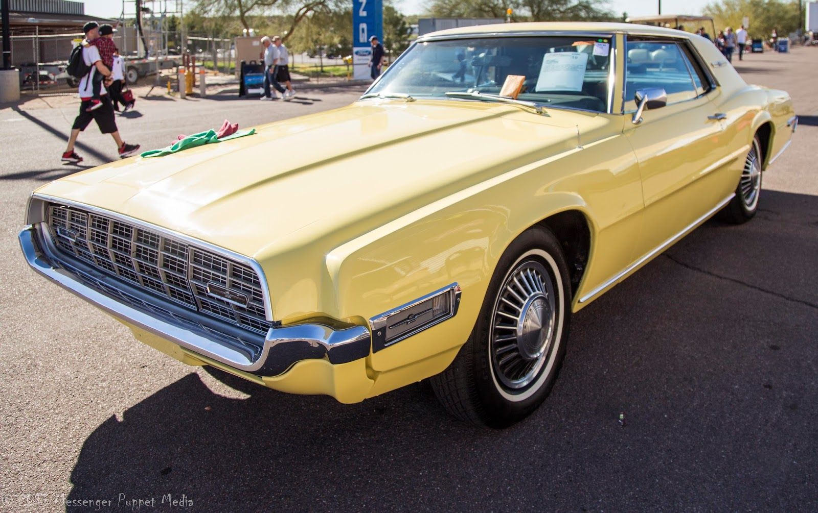Ford thunderbird 1967 picture 2 of 2 front angle image - Ford Thunderbird 1968 My Dad S Was Avocado Green With A White Landau Top Down Memory Lane Pinterest Ford Thunderbird Ford And Cars