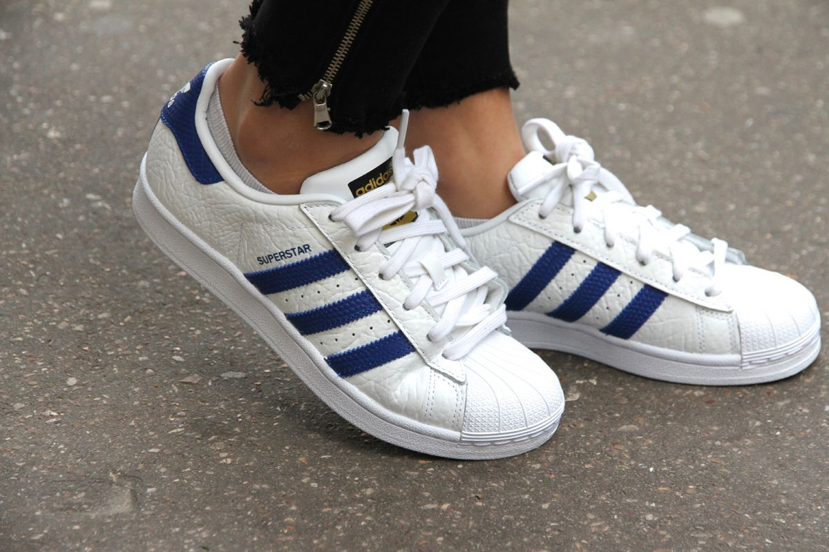Cuir Bubble sur les Superstar | Cuir, Sneakers et Superstar
