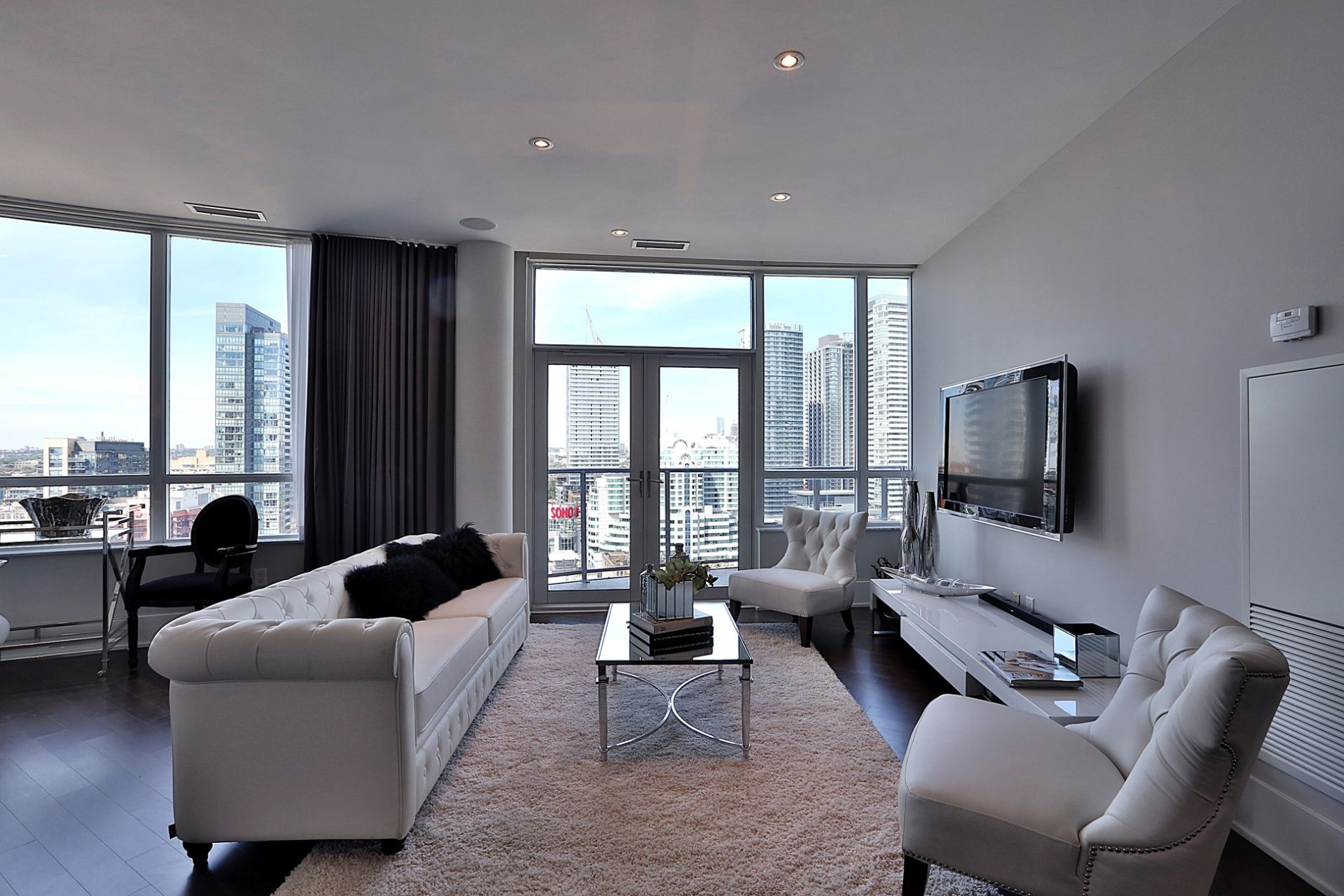 Penthouse for sale in Downtown Toronto 20 Blue Jays Way Ph1 ...