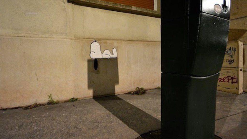 """Jean Boileau on Twitter: """"#StreetArt de fin soirée. Ça relaxe Snoopy https://t.co/Km79TTkARv"""""""