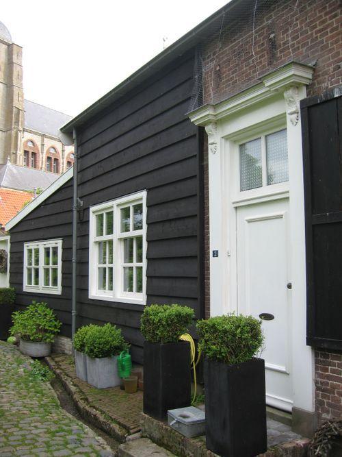 Black Exterior House Buscar Con Google Lake Houses Exterior