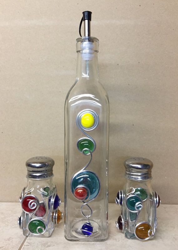 Salt And Pepper Shakers Oil Cruet Vinegar Bottle Decorated With Beads And Wire Glass Bead Crafts Glass Crafts Bottles Decoration