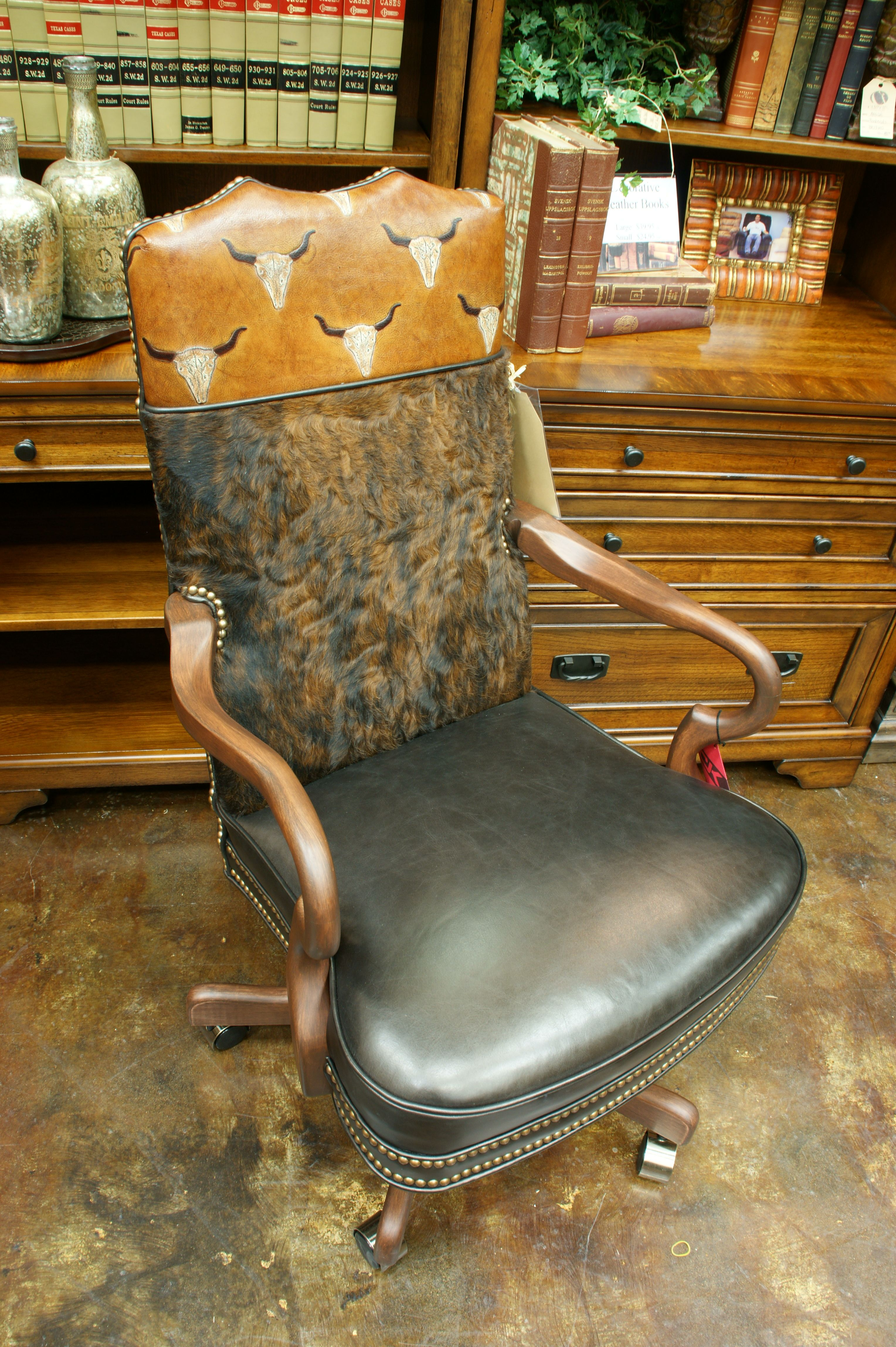 Available At Carteru0027s Furniture   Midland, Texas 432 682 2843..
